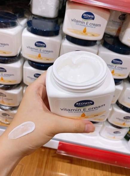 Swatch kem dưỡng daRedwin Vitamin E Cream with Evening Primrose Oil 300g