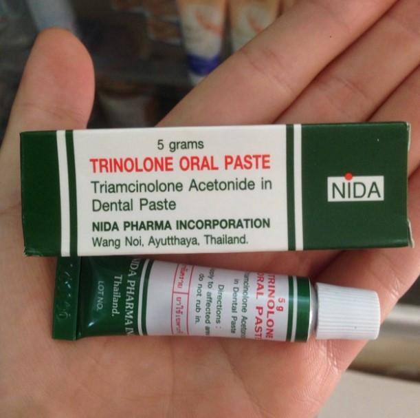 Bao bì và tuýp kem trị nhiệt miệng Trinolone