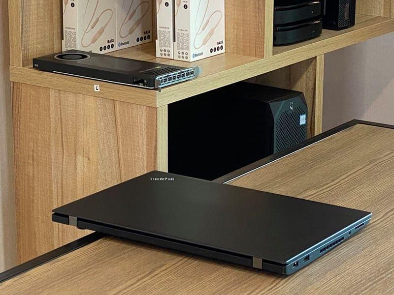 Laptop Cũ Lenovo Thinkpad T460s Intel Core i7