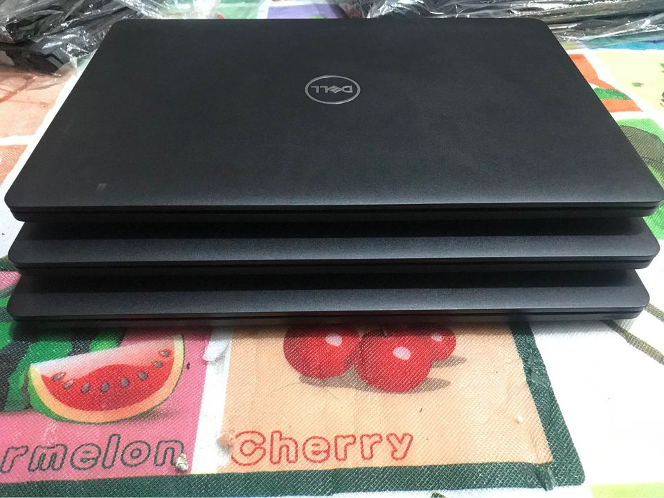 Laptop Cũ Dell Latitude 3580 - Intel Core i5