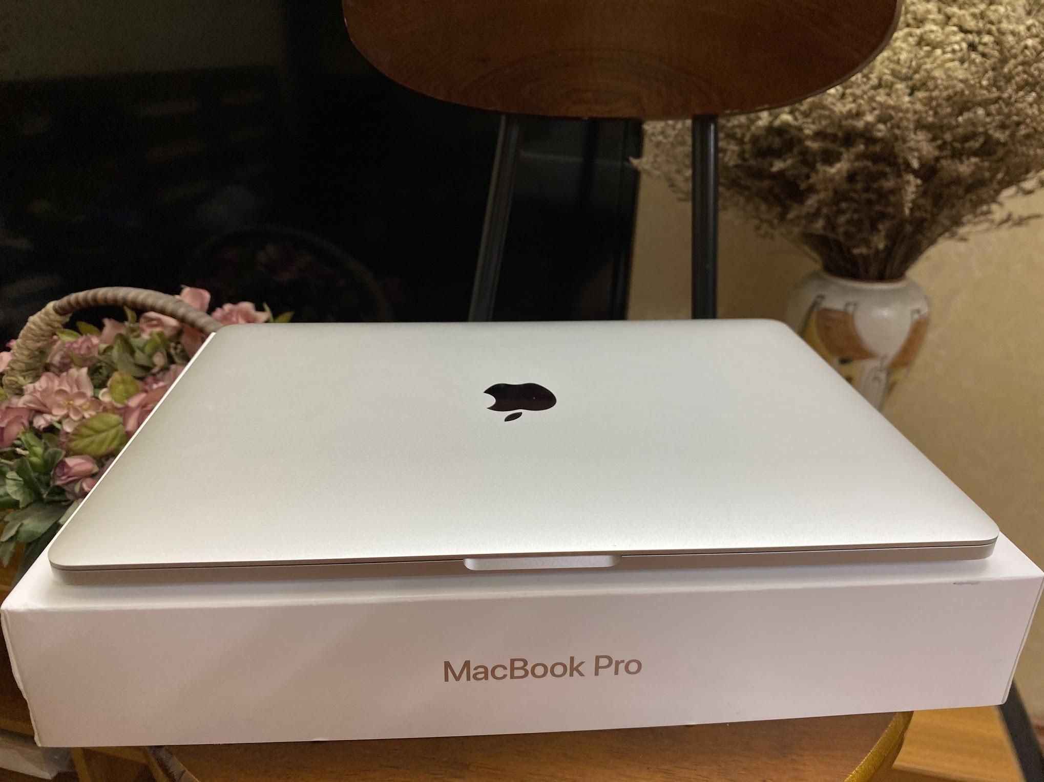 "Macbook Pro 2018 13"", Core i5/8GB/512GB"