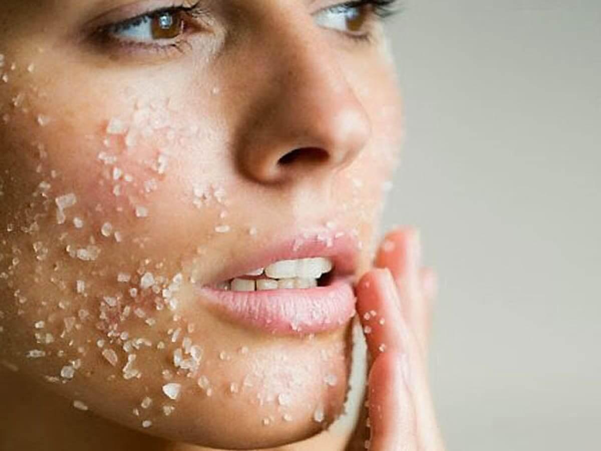 Bạn nên tẩy da chết cho mặt mấy lần trong một tuần