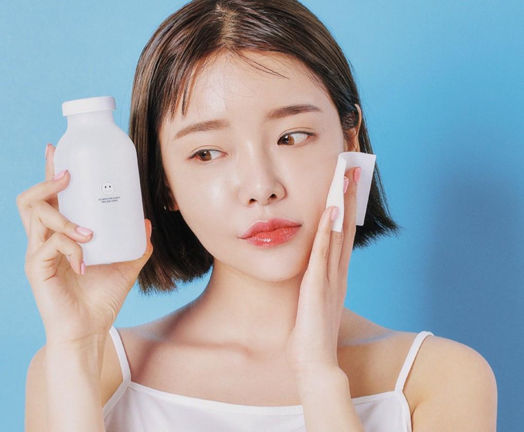 Sử dụng toner với tần suất 1 ngày 2 lần, da mặt bạn sẽ luôn được khỏe đẹp tư nhiên