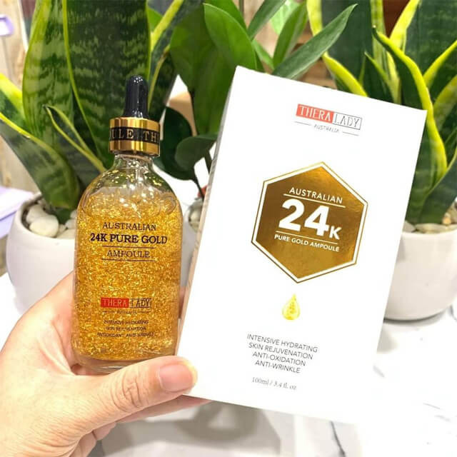 Những vảy vàng lấp lánh là điểm đặc biệt nhất của loại serum này